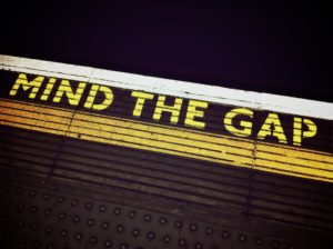 mind-the-gap-1876790_1920